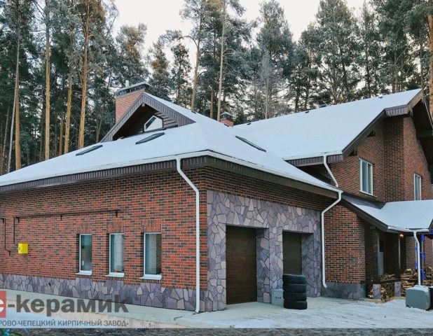 Дом из кирпича Бавария кора дерева, г. Екатеринбург